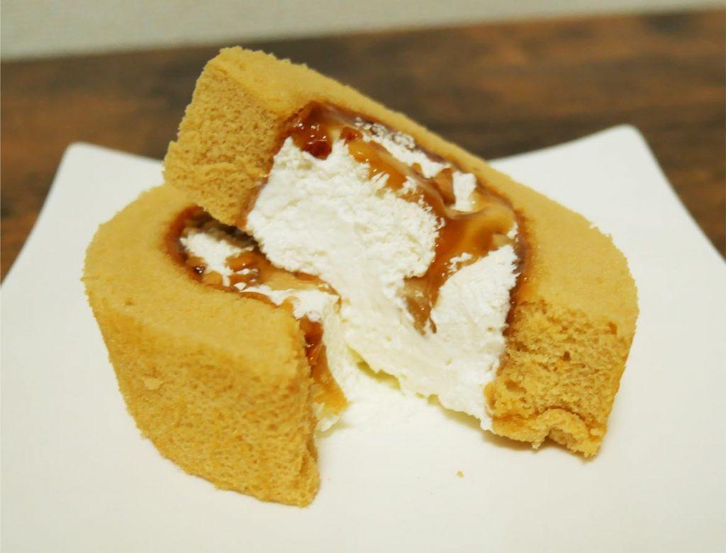 メープルナッツのロールケーキ断面図