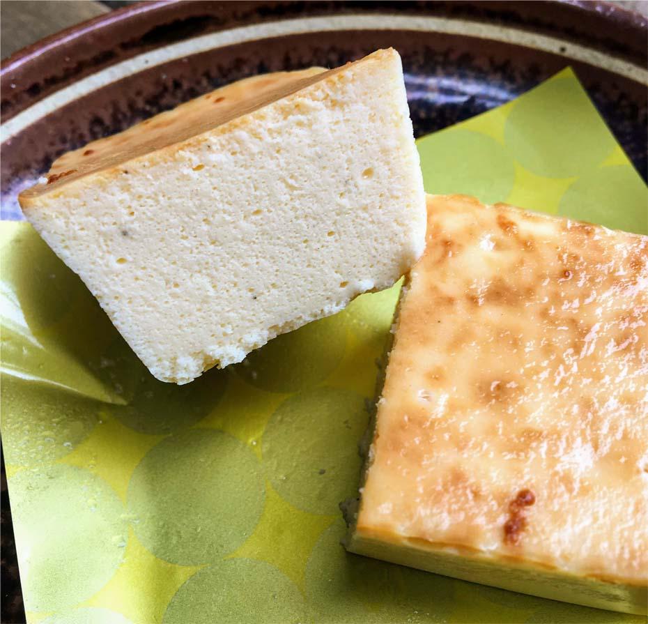 麗溶(うるど)けチーズテリーヌ断面図
