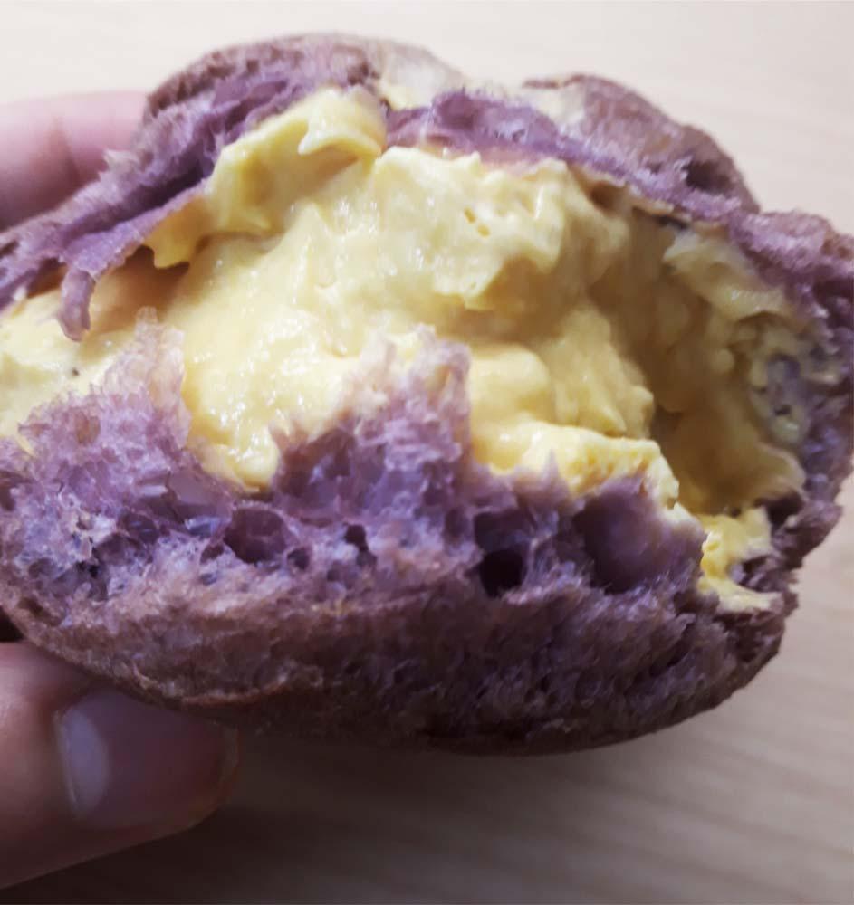安納芋のシュークリーム断面図