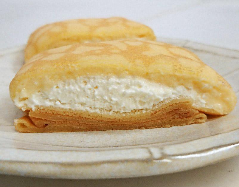 もっちりクレープ ダブルレアチーズクリーム断面図