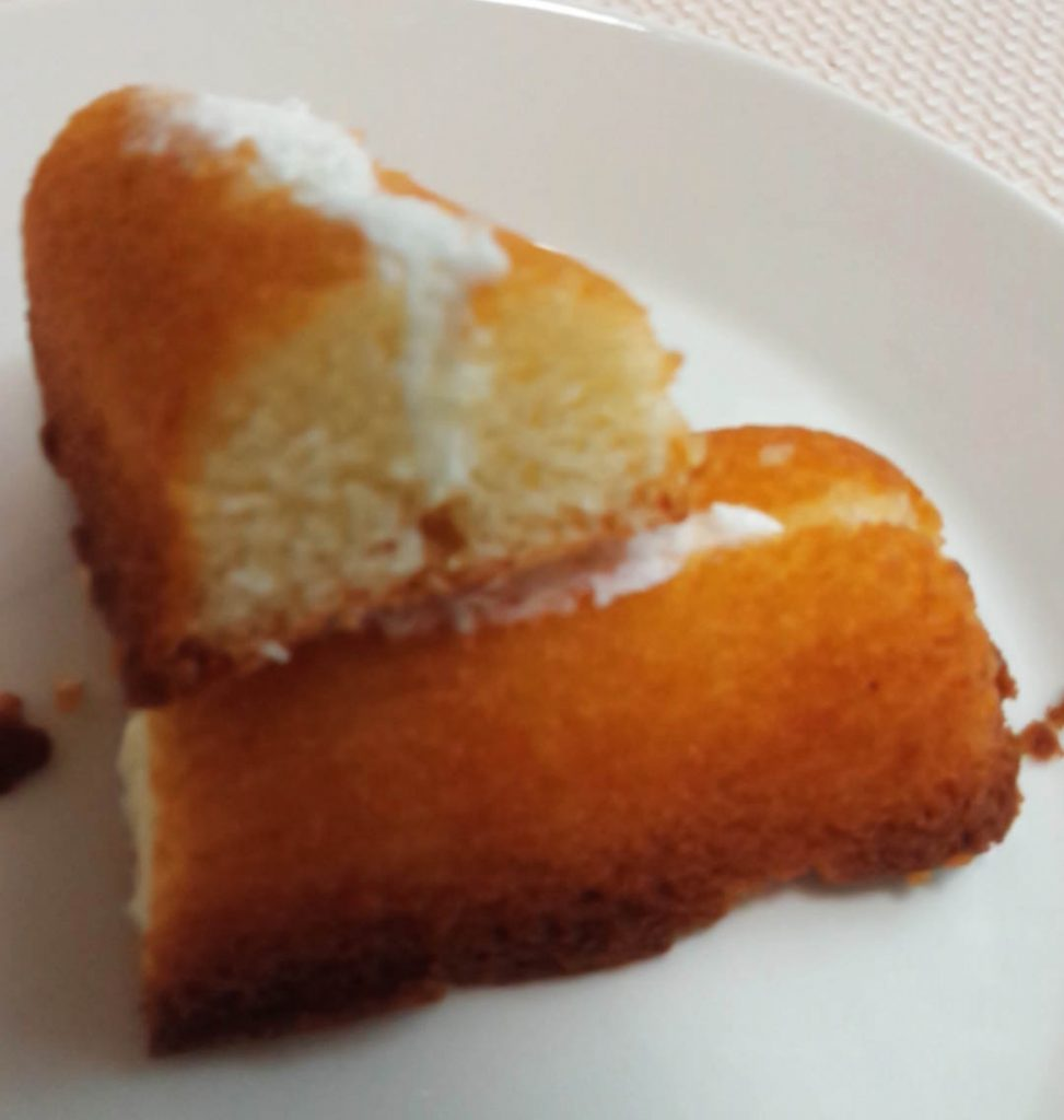 冷やして食べる発酵バターのしっとりフィナンシェ断面図