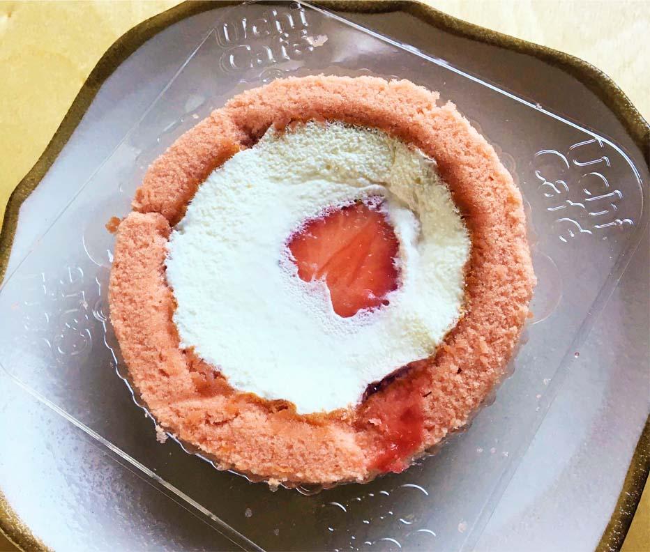 苺みるくロールケーキ
