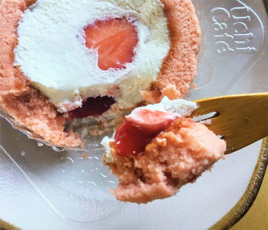 苺みるくロールケーキ一口サイズ2