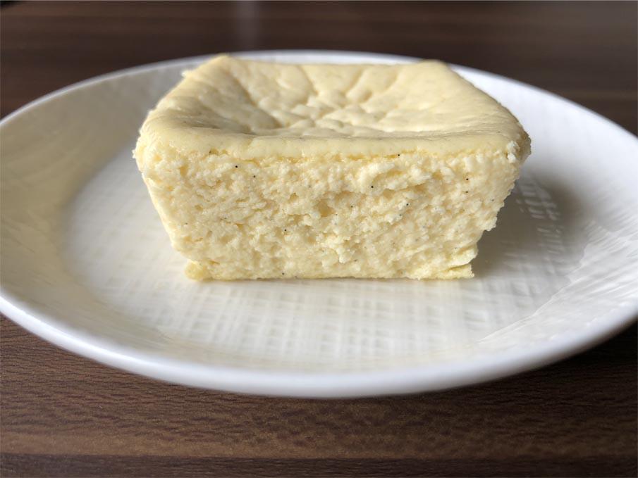 バニラ香る チーズテリーヌ断面図