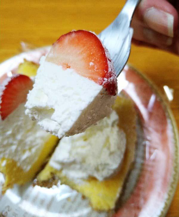 いちごのふわふわケーキ一口サイズ2