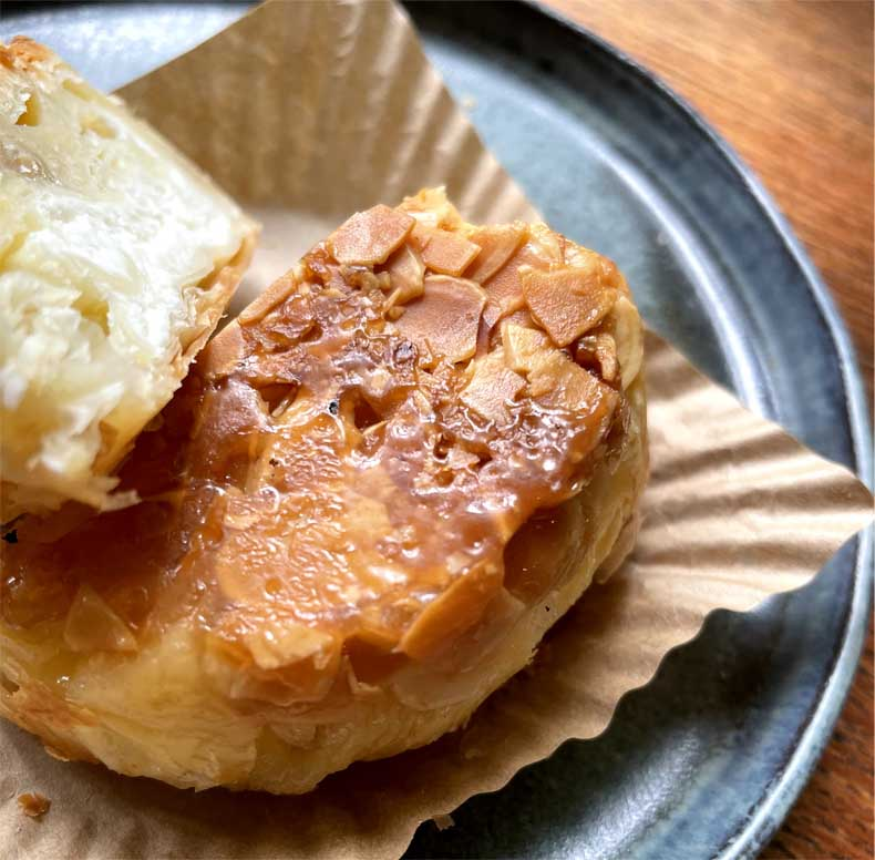 クイニーアマン レモン&チーズクリーム断面図2