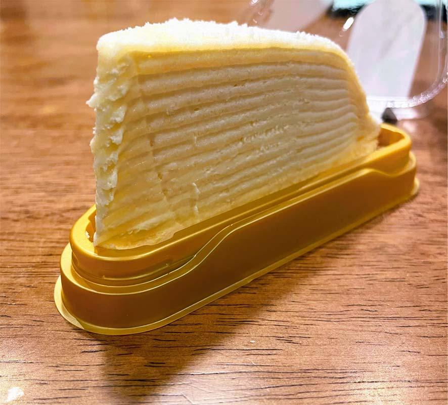 レアチーズミルクレープ断面図