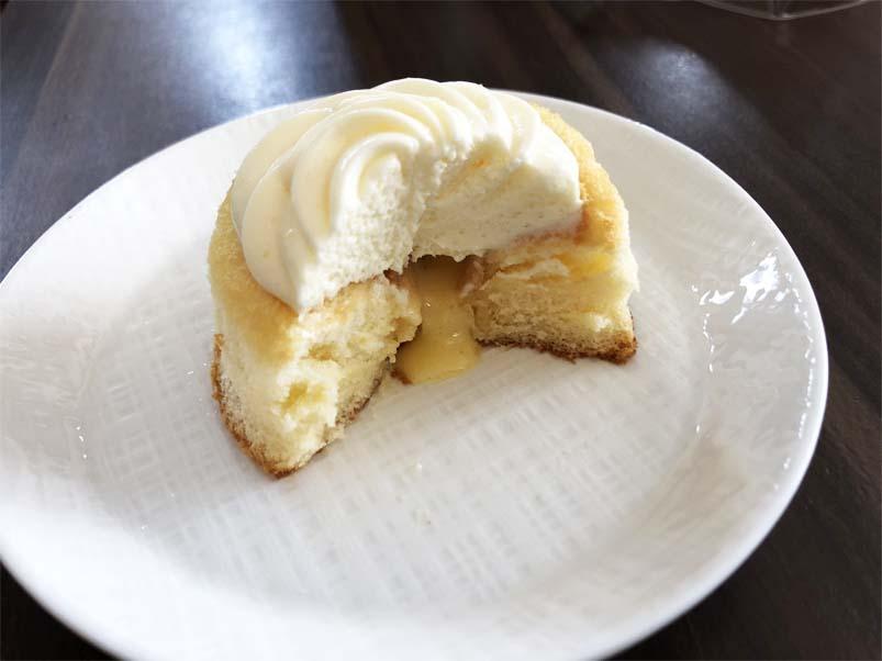 ミルクバター露ふわケーキ(ミルクバターソース入り)断面図