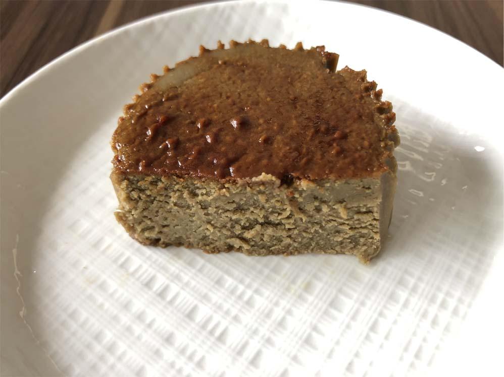 バスク風ほうじ茶チーズケーキ断面図