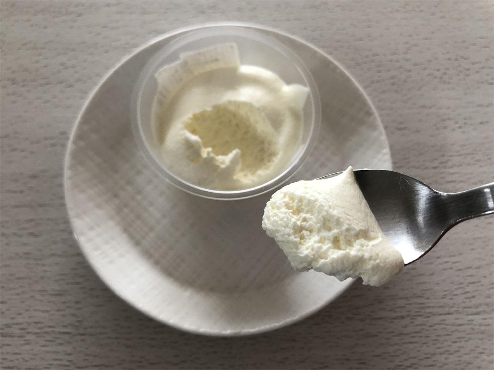 プレミアムロールケーキのクリーム_一口サイズ